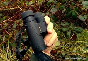 Lynx HD Binocular in the hand