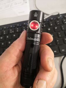 Handy sized rechargeable 18650 flashlight